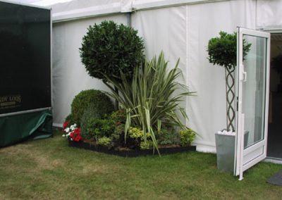 0001395_landrover-prunus-garden_600